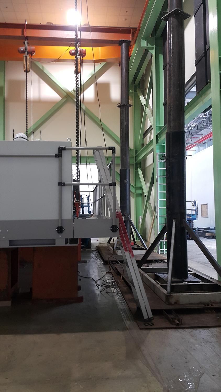 聯華集團擴建新廠機械安裝(龍門架室內吊裝6米)新工法