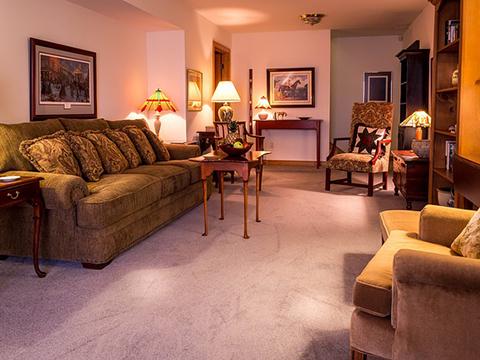 辦公室清潔-力行清潔公司-工廠清潔,地板打臘,地毯清潔,大理石晶化拋光,洗水塔,環境消毒,裝潢清潔