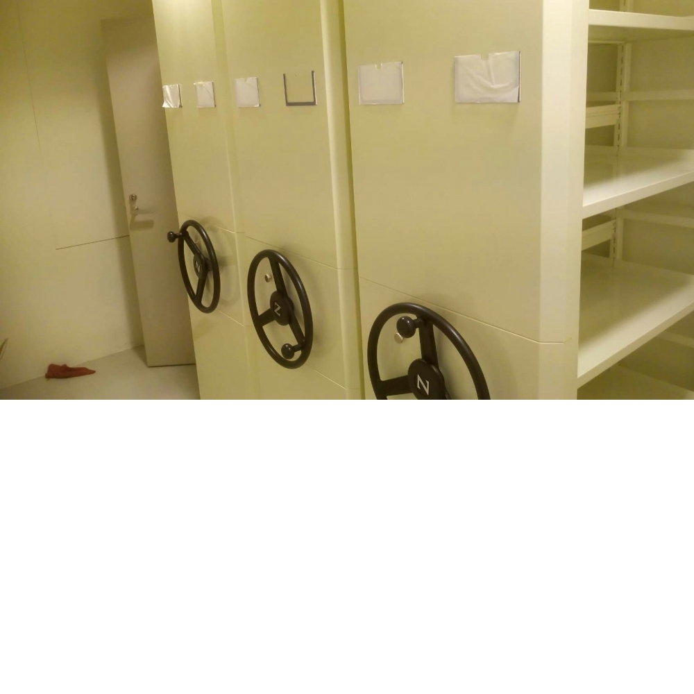 移動式儲櫃