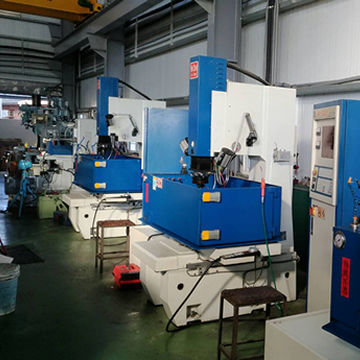 CNC放電加工機2台