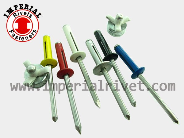 Stretch Folding Blind Rivet