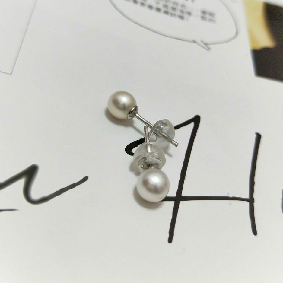 艾克白珍珠小耳環